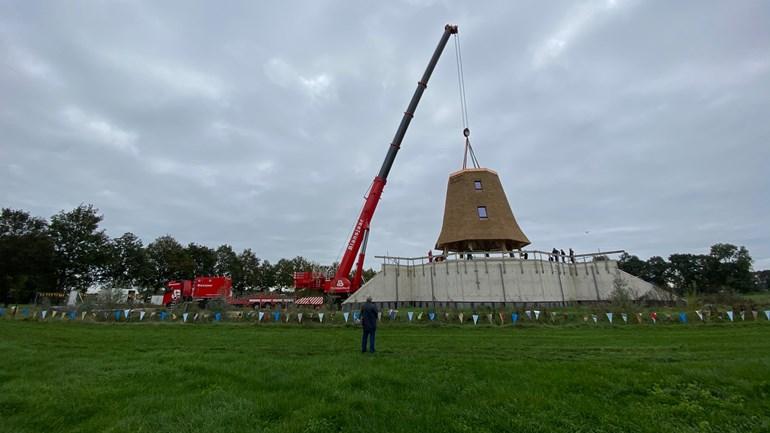 De-nieuwe-molen-in-Wesepe-Foto-RTV-Oost